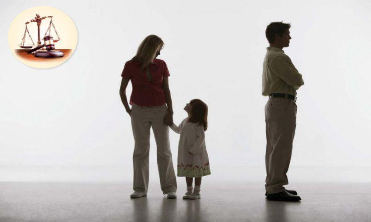 Con dưới bao nhiêu tuổi được giao cho mẹ nuôi dưỡng khi ly hôn