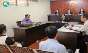 Luật sư ngồi ngang hàng với Viện kiểm sát