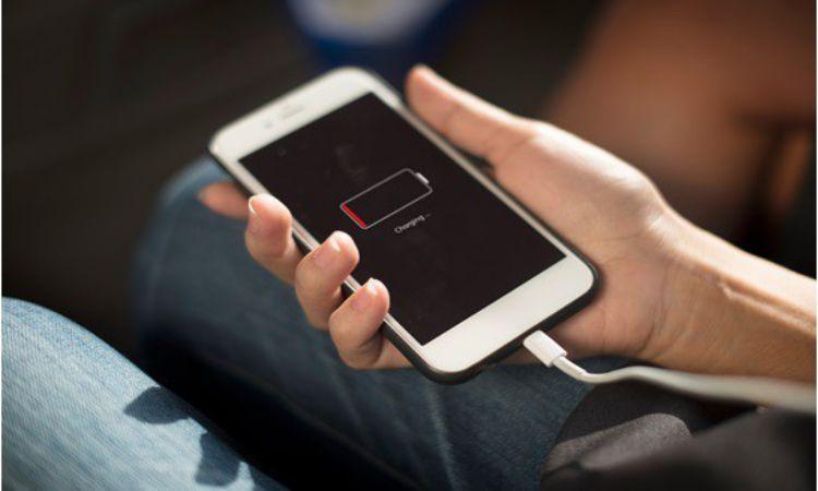 Apple làm giải hiệu suất của Iphone