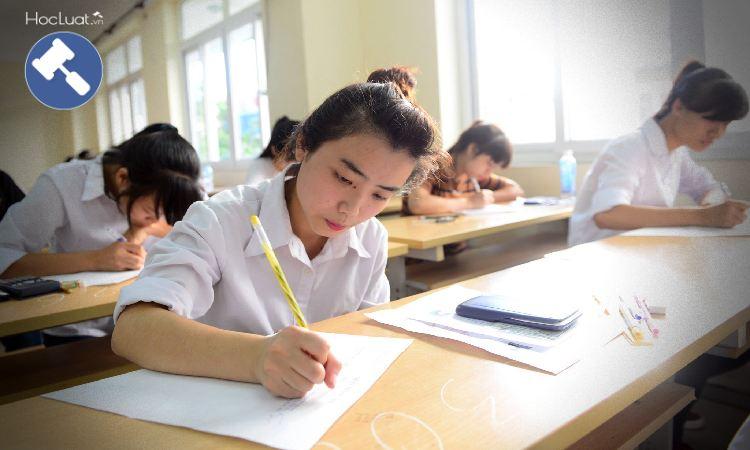 Làm bài thi