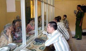 Bảo đảm quyền con người của người bị tạm giữ, tạm giam trong BLTTHS 2015